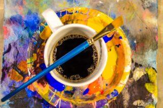 Un tap tap si están de acuerdo en que el café como el arte te reinicia la vida 😍☕️🎨