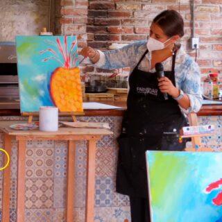 Así se viven nuestros eventos #PaintbarMexico, este fue en Cocotte, la primera vez que nos escapamos al lienzo después de la cuarentena y la verdad nos hacía falta bastante 🎨 ¿con qué marca le gustaría que fusionaramos la experiencia? 👇🏾